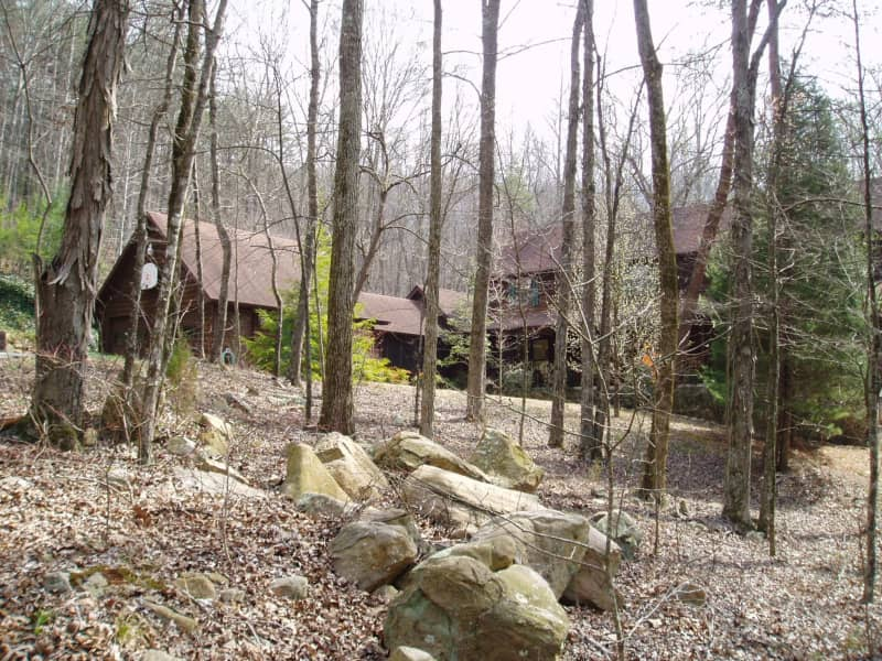 Housesitting assignment in Etowah, Tennessee, United States