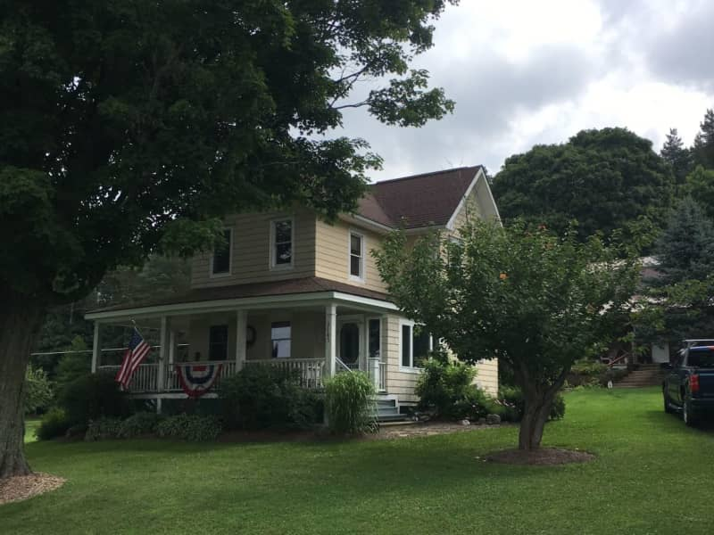 Housesitting assignment in Varysburg, New York, United States