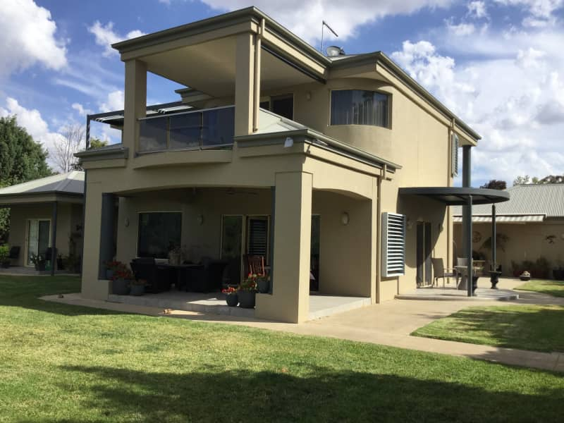 Housesitting assignment in Albury, New South Wales, Australia