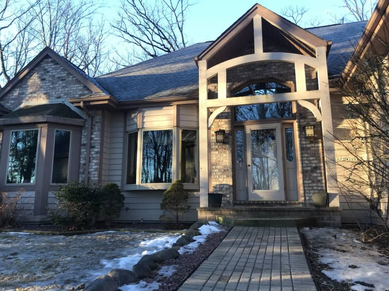 Housesitting assignment in Merton, Wisconsin, United States