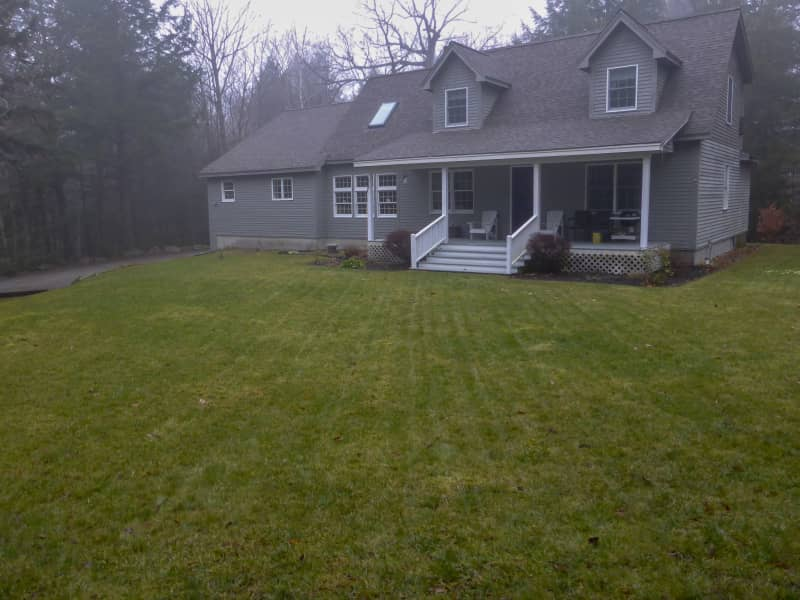 Housesitting assignment in Naples, Maine, United States