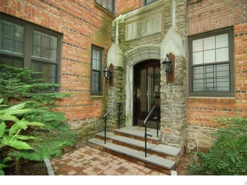 Housesitting assignment in Bronxville, New York, United States