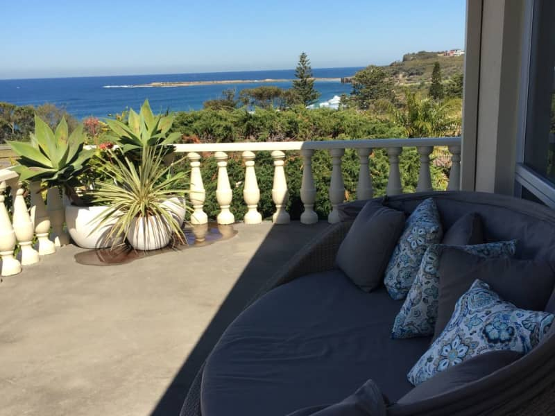 Housesitting assignment in Caves Beach, New South Wales, Australia