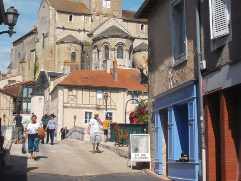 Housesitting assignment in Montmorillon, France