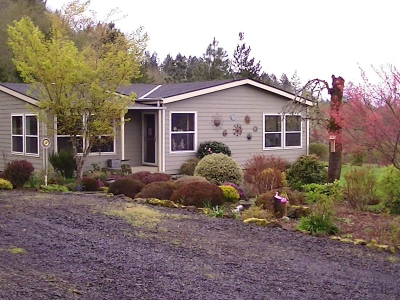 Housesitting assignment in Lyons, Oregon, United States