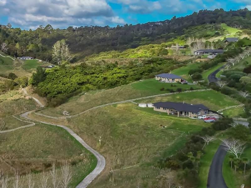 Housesitting assignment in Upper Waiwera, New Zealand