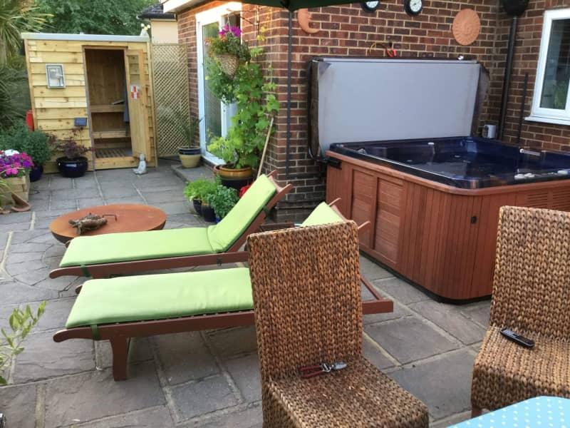 Housesitting assignment in Godstone, United Kingdom