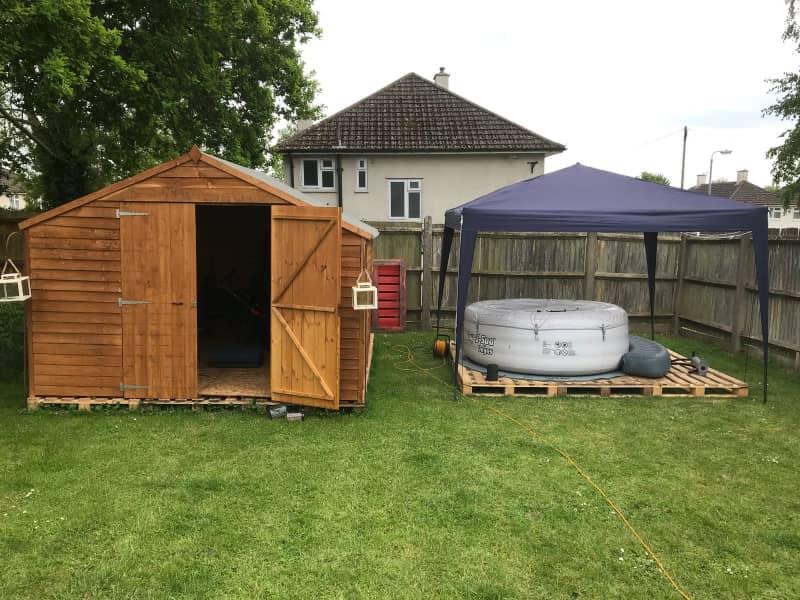 Housesitting assignment in Lyneham, United Kingdom