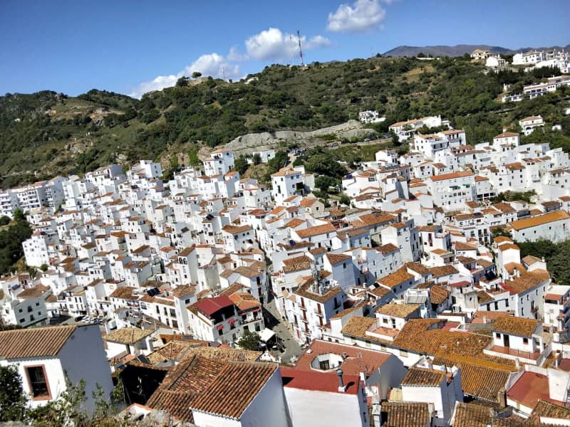 Housesitting assignment in Casares, Spain