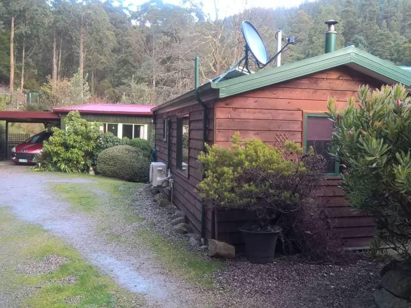 Housesitting assignment in Lucaston, Tasmania, Australia
