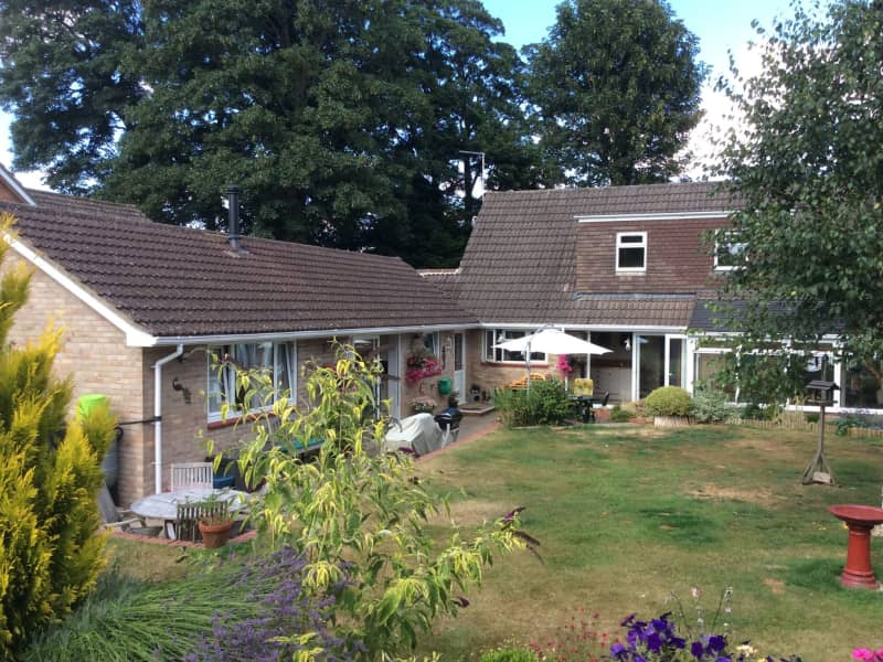 Housesitting assignment in Westbury, United Kingdom