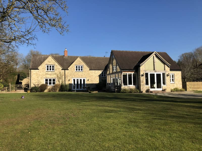 Housesitting assignment in Witney, United Kingdom