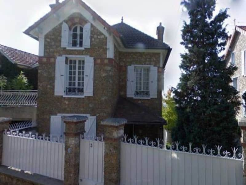 Housesitting assignment in Villiers-Saint-Fréderic, France
