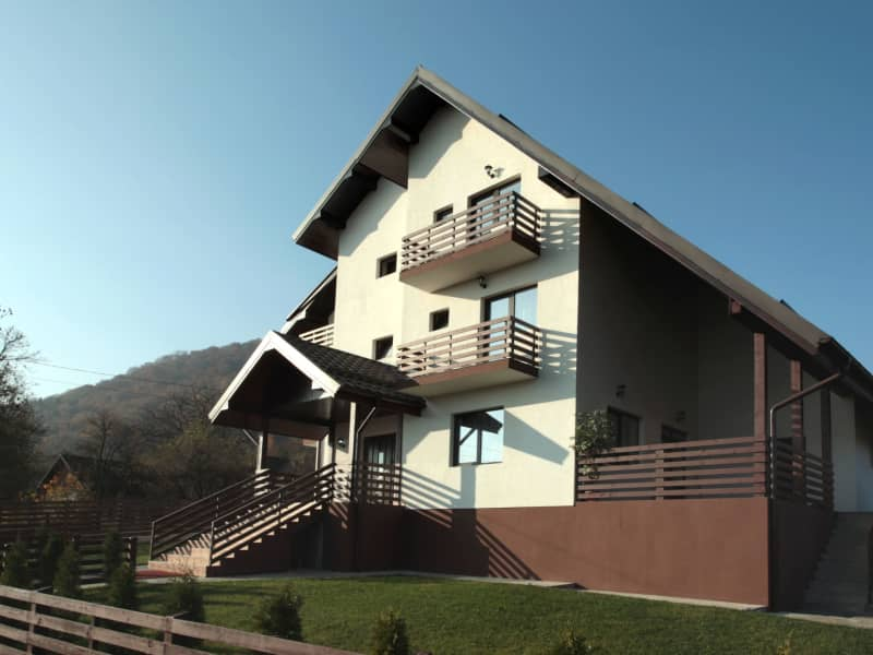 Housesitting assignment in Zărnești, Romania