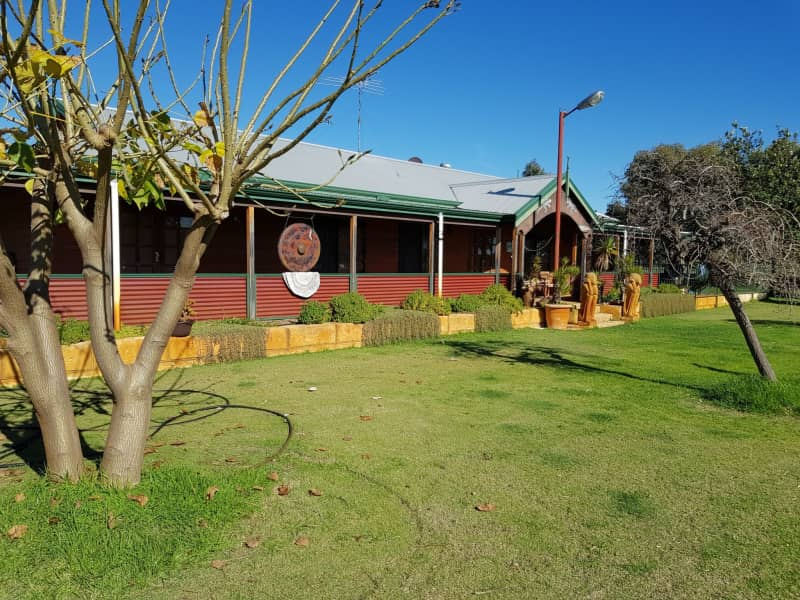 Housesitting assignment in Pinjarra, Western Australia, Australia