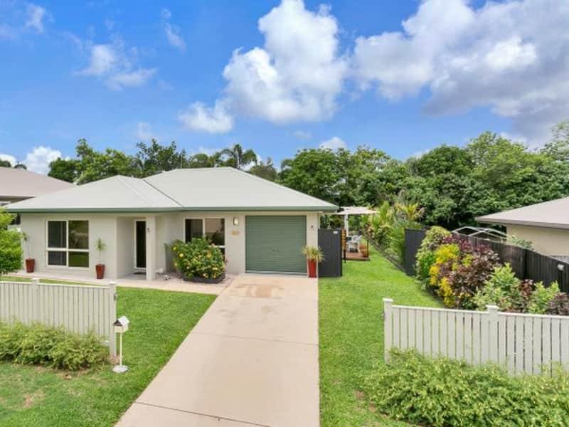 Housesitting assignment in Gordonvale, Queensland, Australia
