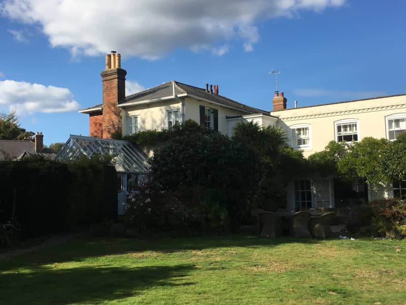 Housesitting assignment in Lindfield, United Kingdom