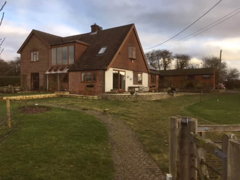 Housesitting assignment in Medstead, United Kingdom