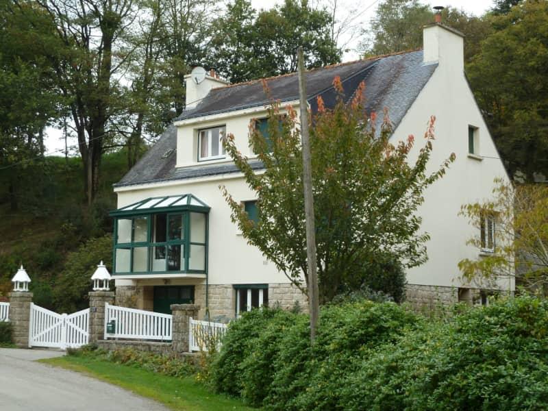 Housesitting assignment in Guémené-sur-Scorff, France