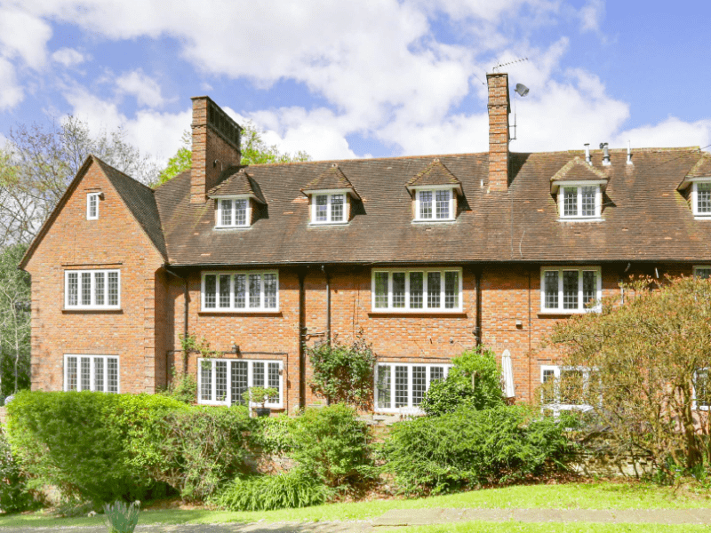 Housesitting assignment in Beaconsfield, United Kingdom