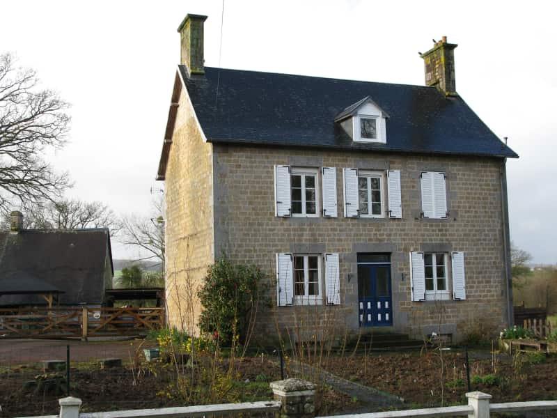 Housesitting assignment in Le Mesnil-Gilbert, France
