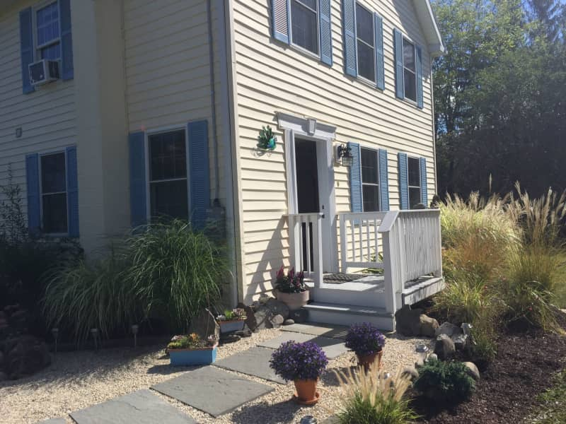 Housesitting assignment in Gardiner, New York, United States