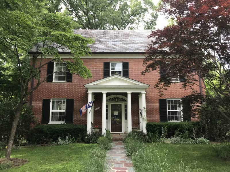 Housesitting assignment in Chevy Chase, Maryland, United States