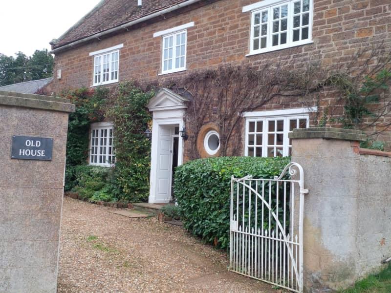 Housesitting assignment in Staverton, United Kingdom