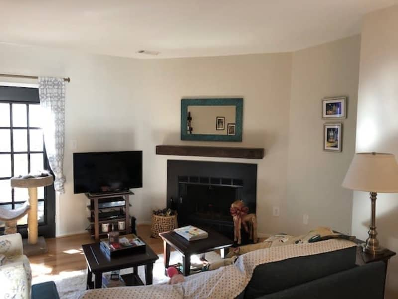 Housesitting assignment in Burke, Virginia, United States