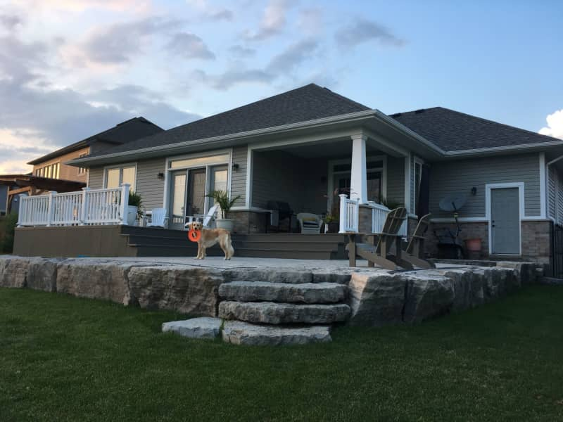 Housesitting assignment in Smithville, Ontario, Canada