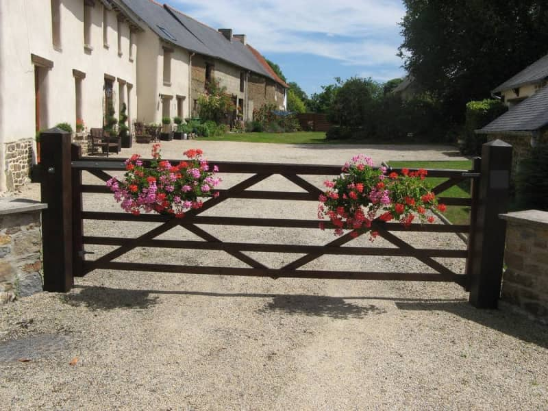 Housesitting assignment in Saint-Domineuc, France