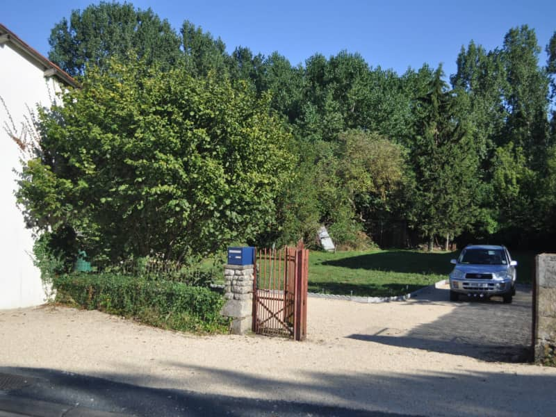 Housesitting assignment in Saint-Macoux, France