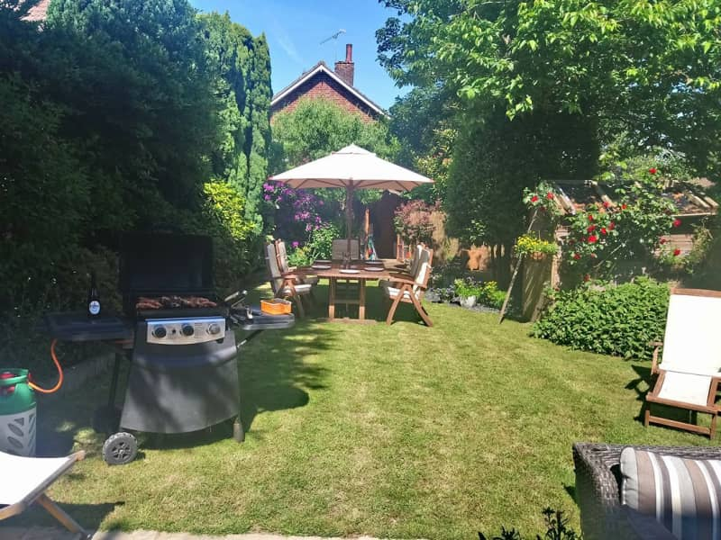 Housesitting assignment in Crawley, United Kingdom