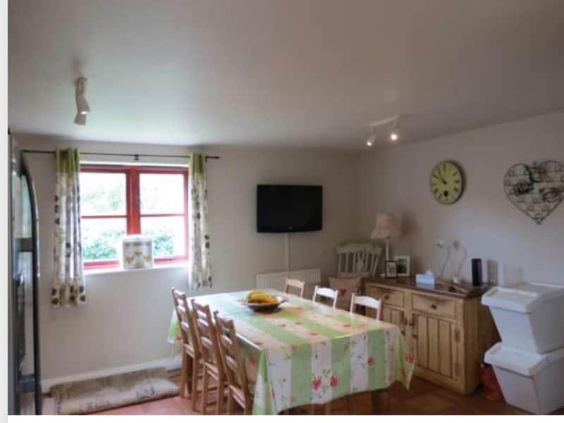 Housesitting assignment in Woodborough, United Kingdom
