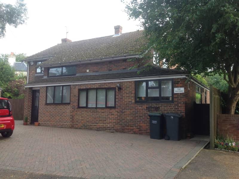 Housesitting assignment in Tonbridge, United Kingdom