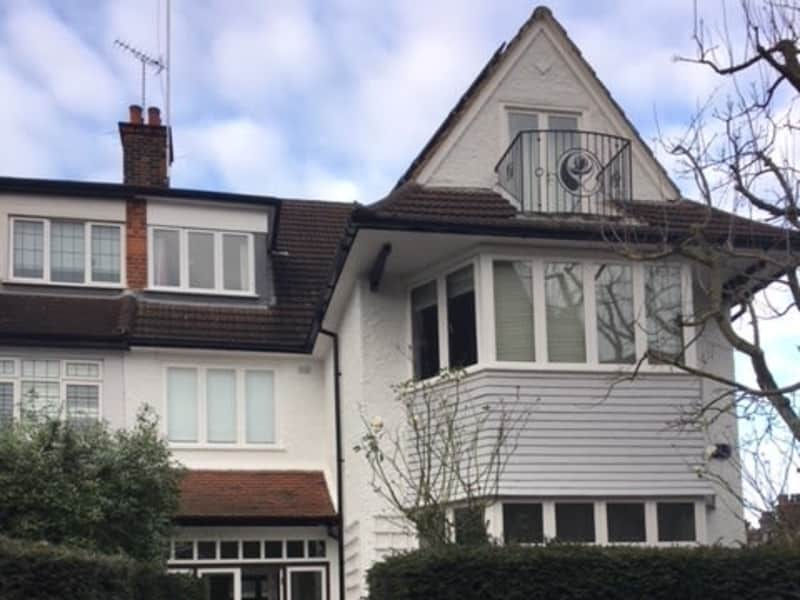 Housesitting assignment in Golders Green, United Kingdom