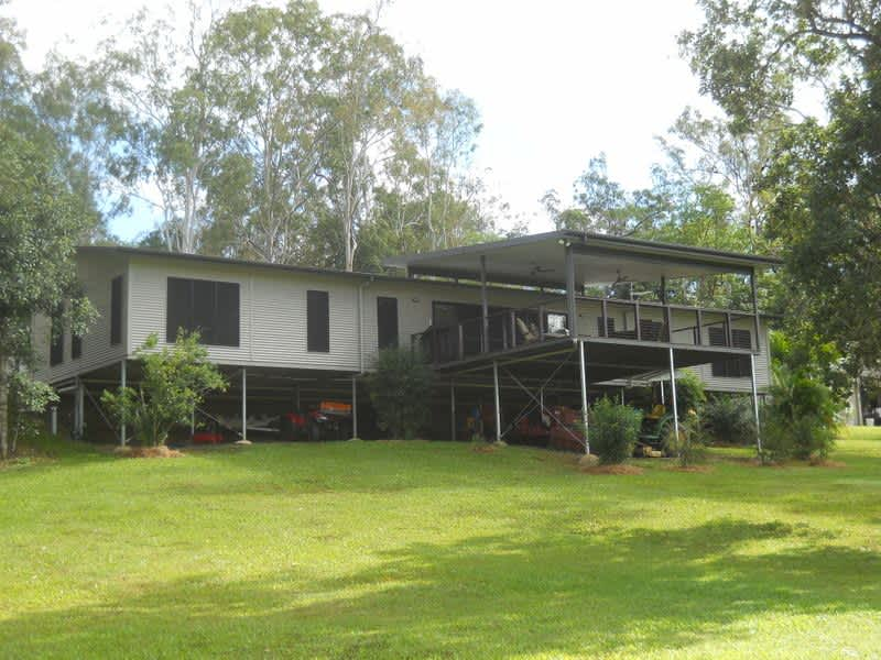 Housesitting assignment in Cannonvale, Queensland, Australia