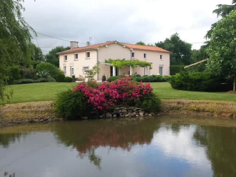 Housesitting assignment in Coulonges-sur-l'Autize, France
