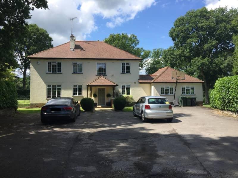 Housesitting assignment in Peaslake, United Kingdom