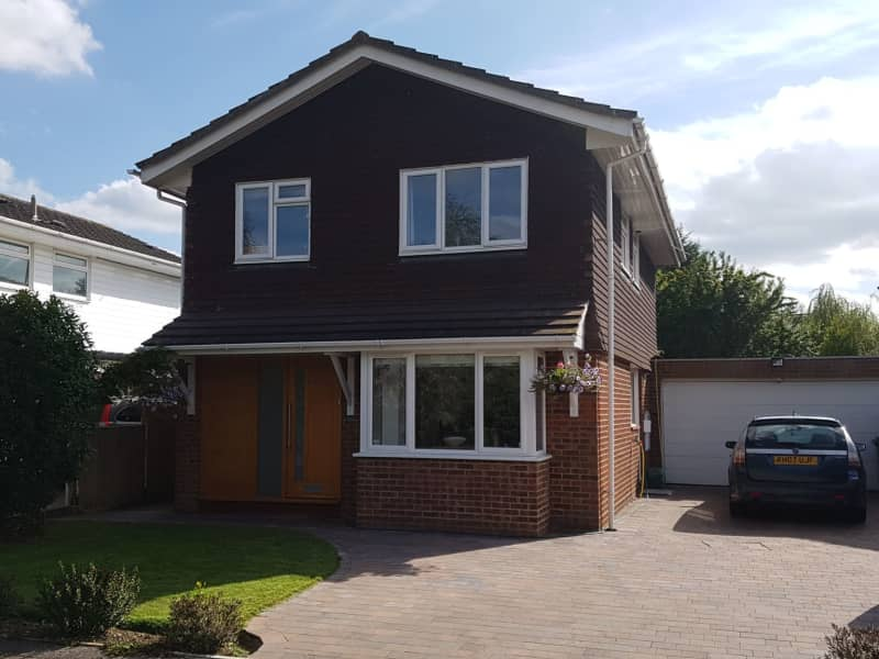 Housesitting assignment in Claygate, United Kingdom