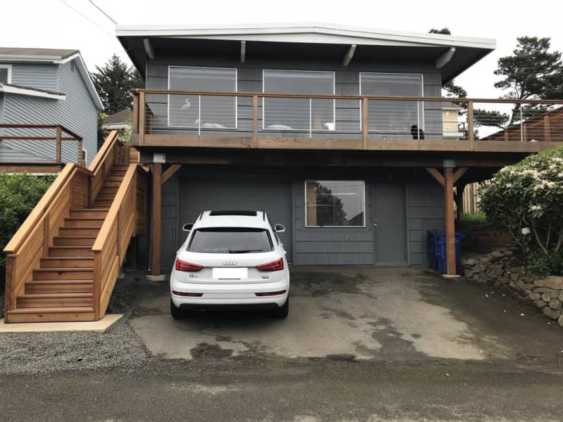 Housesitting assignment in Lincoln City, Oregon, United States