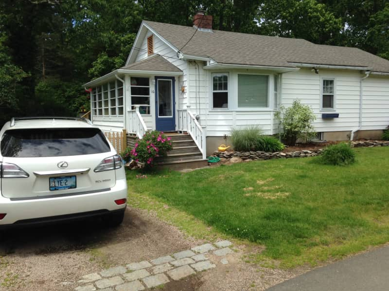 Housesitting assignment in Guilford, Connecticut, United States