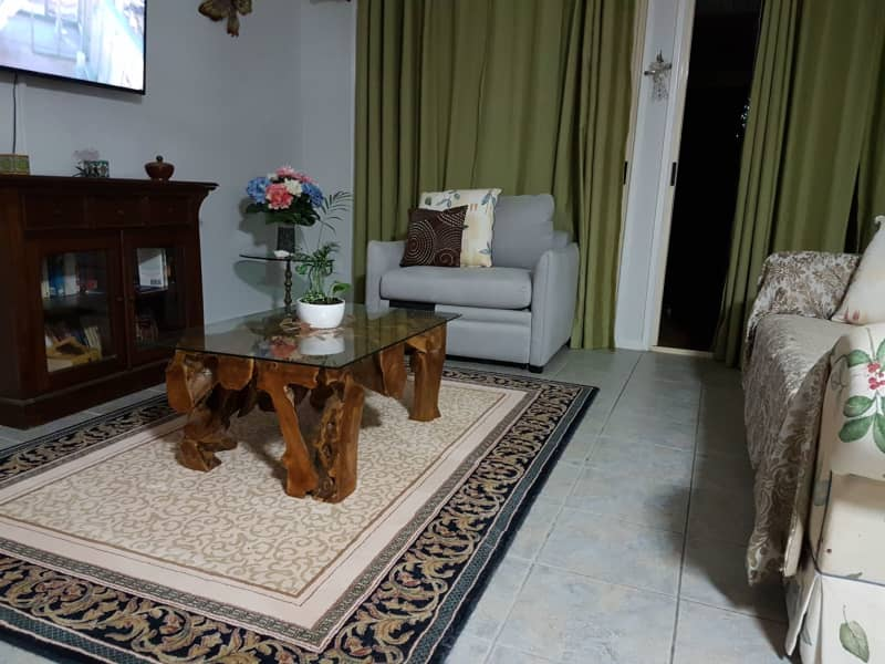 Housesitting assignment in Birkdale, Queensland, Australia