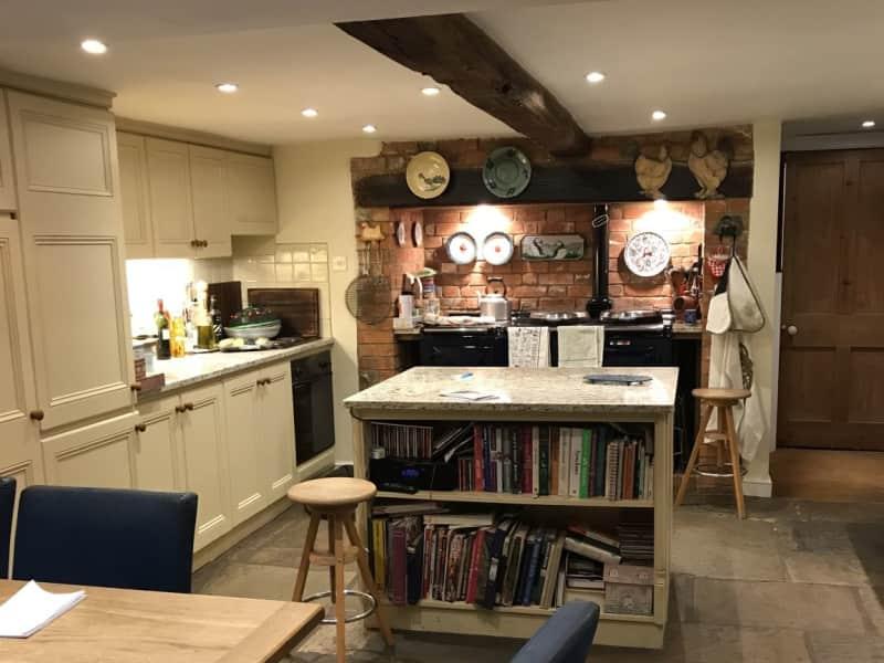 Housesitting assignment in Newbury, United Kingdom