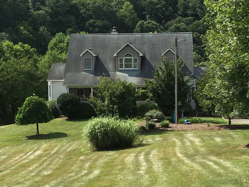Housesitting assignment in Elkin, North Carolina, United States
