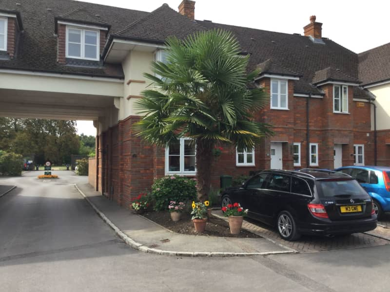 Housesitting assignment in Pyrford, United Kingdom