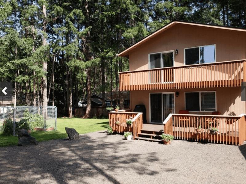 Housesitting assignment in Shelton, Washington, United States