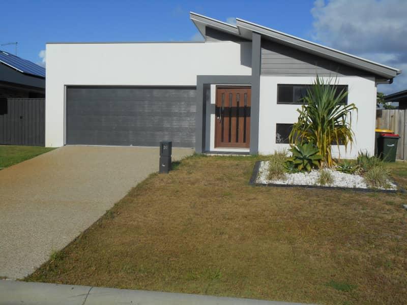 Housesitting assignment in Ningi, Queensland, Australia
