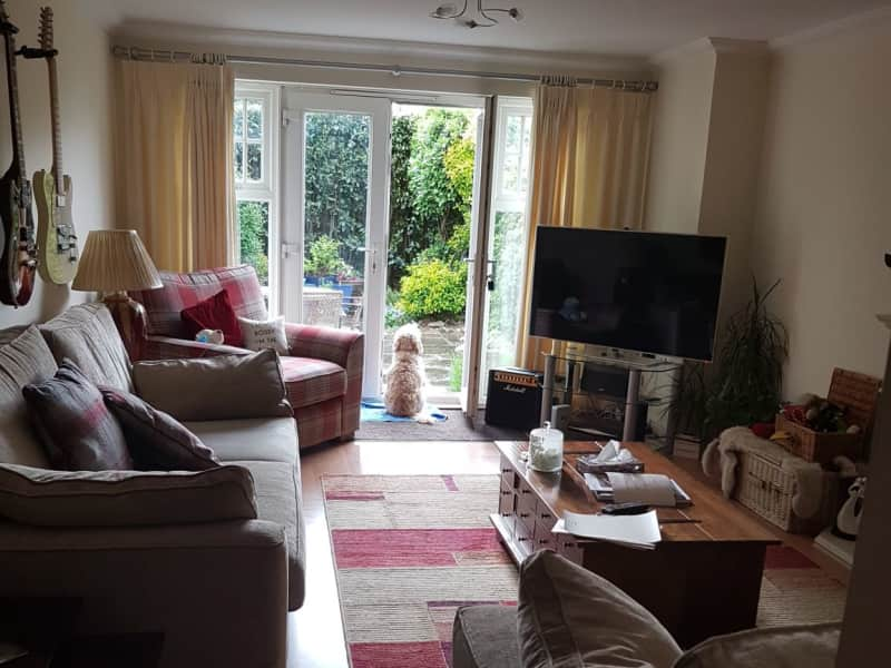 Housesitting assignment in Epsom, United Kingdom