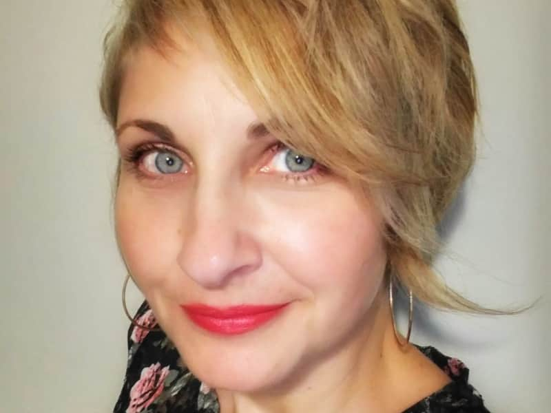 Sandra from Niagara Falls Centre, Ontario, Canada